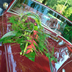 Auto Bloemstuk Rolls Red